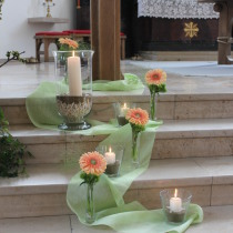 Kirchenarrangement Goldene Hochzeit